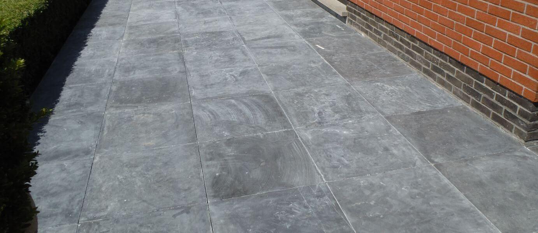 aanleg terras natuursteen